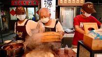 Keren! Roti Kukus Kaki Lima yang Dijual Kakek Ini Dapat Bib Gourmand Michelin