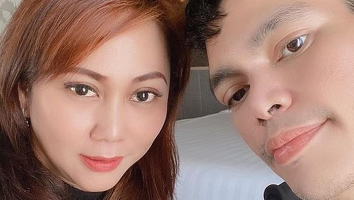 Cara El Ibnu dan Sarah Dee Hilangkan Trauma Masa Lalu