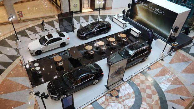 BMW Exhibition di Plaza Senayan Jakarta