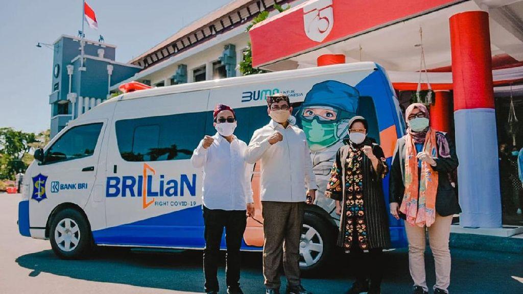 BRI Beri Bantuan Mobil PCR ke Pemkot Surabaya