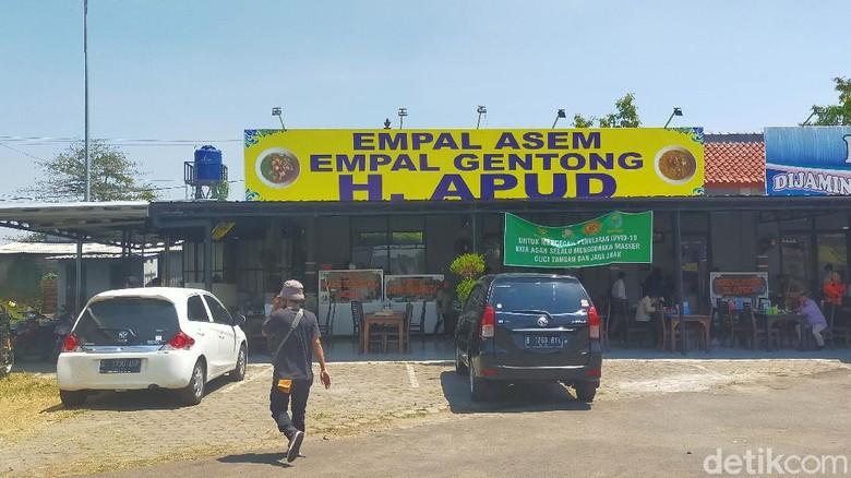 Empal gentong H Apud Cirebon.