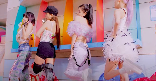 Fashion Blackpink di Video Klip Ice Cream