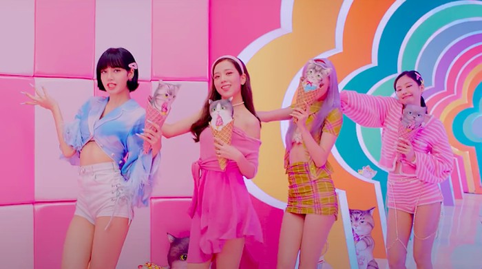 Fashion Blackpink di Video Klip Ice Cream
