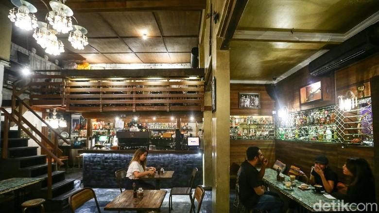 Kafe Revolver Espresso Bali