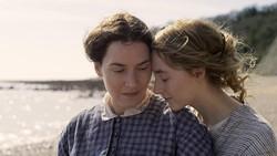 Saoirse Ronan: Beradegan Seks dengan Kate Winslet adalah Kado Terindah