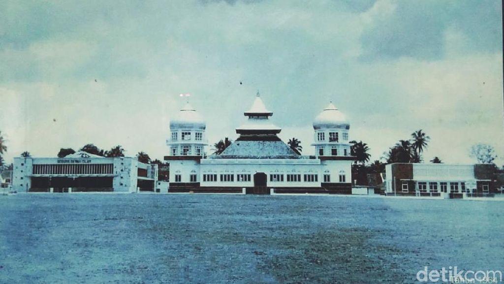 Masjid Agung Ciamis Pernah Luluh Lantak oleh Api, Ini Potret Era Lawas-Anyar