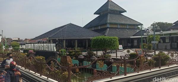 Masjid Agung Demak terletak di Kampung Kauman, Kelurahan Bintoro, Kabupaten Demak, Jawa Tengah. (Foto: Mochamad Saifudin)