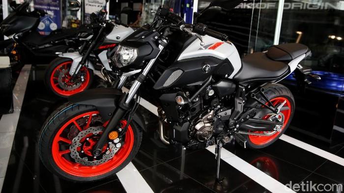Yamaha Indonesia Motor Manufacturing (YIMM) resmi memperkenalkan model terbaru CBU mereka Yamaha MT-07.