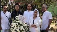 Kesedihan Ayah dan Ibu Barli Asmara di Pemakaman Anaknya