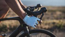 Jari Tangan Sering Kebas Saat Gowes? Waspadai Cyclists Palsy