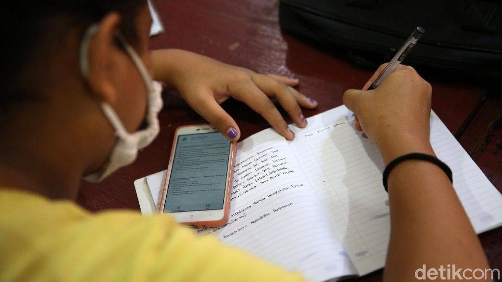 Mau Bantuan Kuota Internet Kemendikbud 2021? Cek di Sini