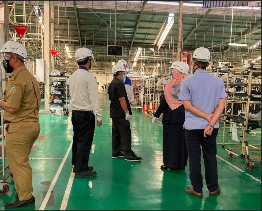 Situasi pabrik Suzuki Tambun I saat pemeriksaan COVID-19.
