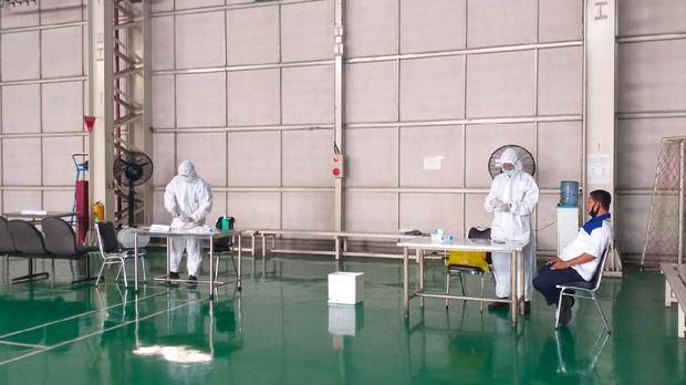 Situasi di pabrik Yamaha Tambun I saat pemeriksaan COVID-19.