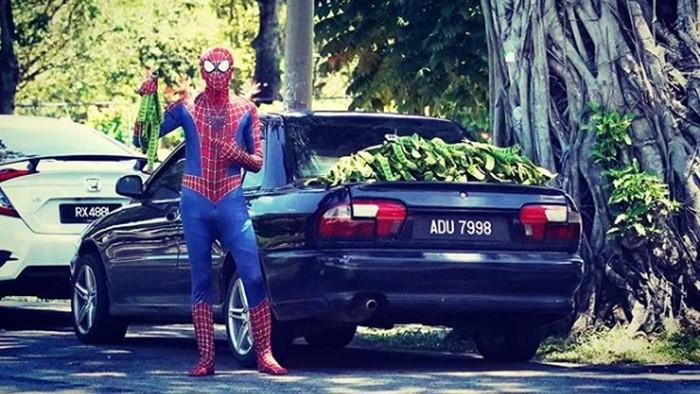 Spider-Man jualan petai.