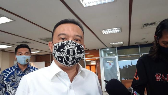 Wakil Ketua DPR RI Sufmi Dasco Ahmad usai menghadiri rapat Baleg DPR dengan Apindo perihal RUU Cipta Kerja, di kompleks parlemen, Jakarta, Jumat (28/82020).