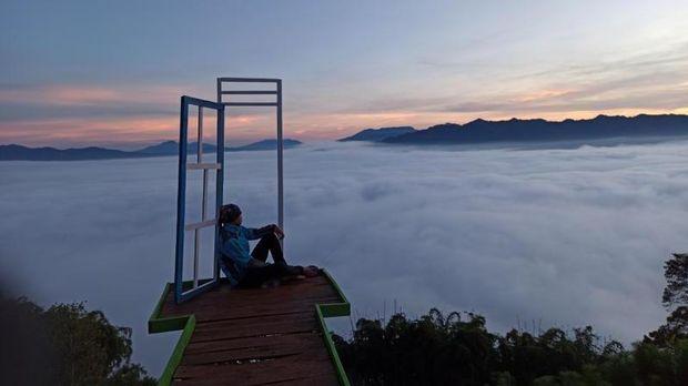 Objek wisata di Lampung Barat.