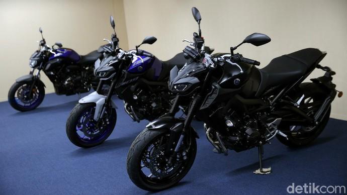 Yamaha MT-09 menawarkan kenyamanan yang diklaim bakal buat jatuh hati pencintanya. Yuk, lihat lebih dekat foto-foto penampakannya.
