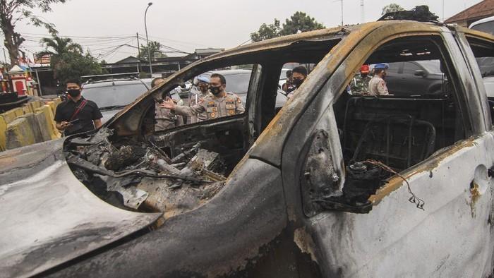 Suasana pasca penyerangan di Polsek Ciracas, Jakarta, Sabtu, (29/8/2020). Polsek Ciracas dikabarkan diserang oleh sejumlah orang tak dikenal pada Sabtu (29/8) dini hari. ANTARA FOTO/Asprilla Dwi Adha/hp.