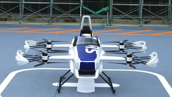 Mobil terbang ini dioperasikan oleh delapan mesin dan dua baling-baling di tiap sudutnya, mirip seperti sebuah drone. Untuk saat ini, SD-03 hanya bisa mengangkat sekitar 3 meter dan melayang selama lima hingga 10 menit. (dok. Skydrive)