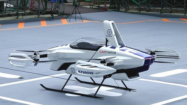 SkyDrive telah didirikan sejak tahun 2018, namun telah mengembangkan mobil terbang sejak 2014. Perusahaan ini memiliki 100 sponsor korporat, di antaranya Panasonic dan Sony. Morgan Stanley memperkirakan mobil terbang ini sudah bisa dinikmati masyarakat pada tahun 2040. (dok. Skydrive)