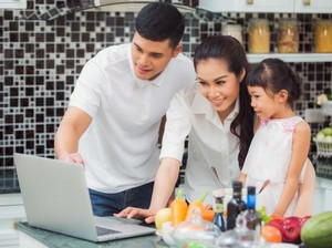 Tips Buat Suami Bangun Kesetaraan Gender dalam Keluarga