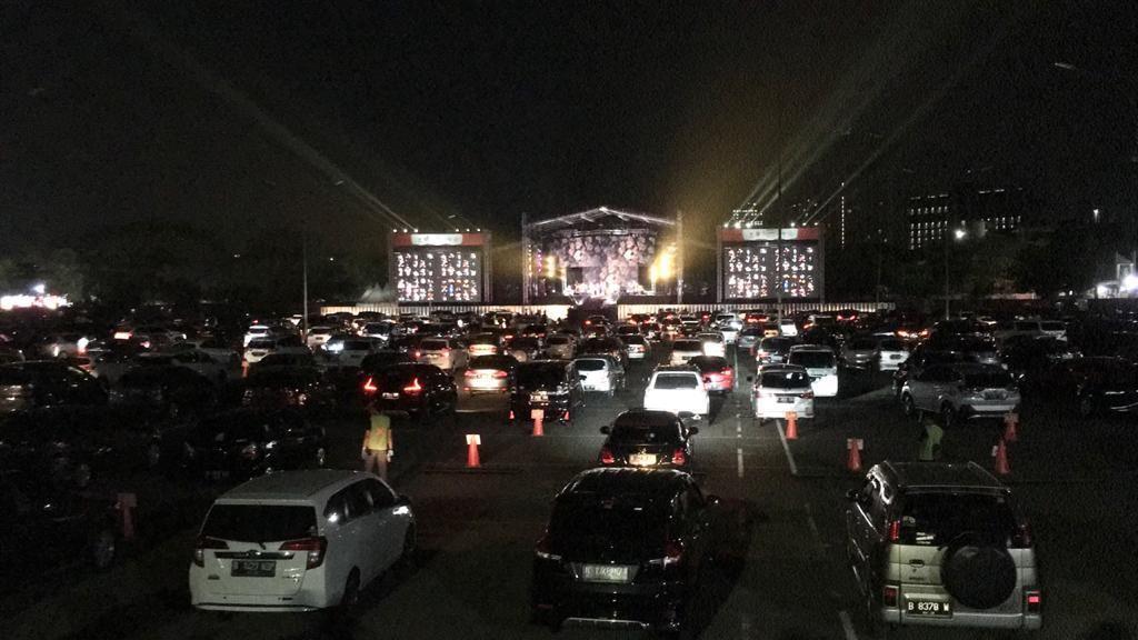 Kahitna Bersyukur Jadi yang Pertama Manggung di Konser Drive-In