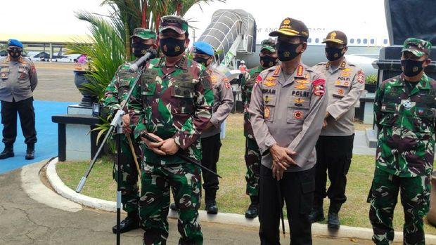Panglima TNI dan Kapolri jumpa pers terkait penyerangan Polsek Ciracas (M Bakri/detikcom)