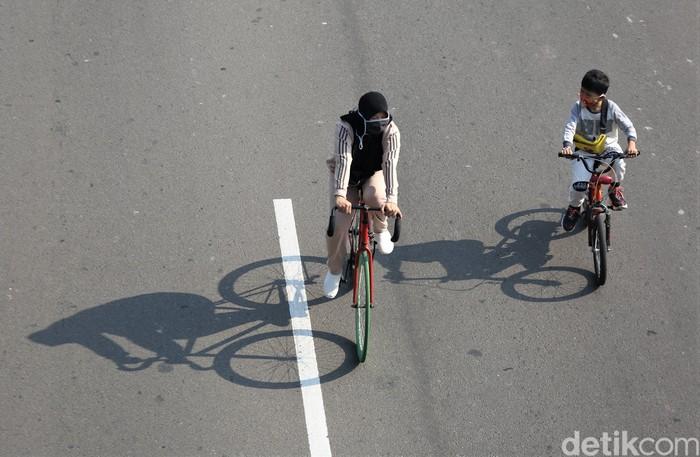 Pemprov DKI Jakarta kembali memberlakukan kawasan khusus pesepeda di sejumlah jalan Ibu Kota. Salah satunya Jalan Benyamin Sueb di Kemayoran.