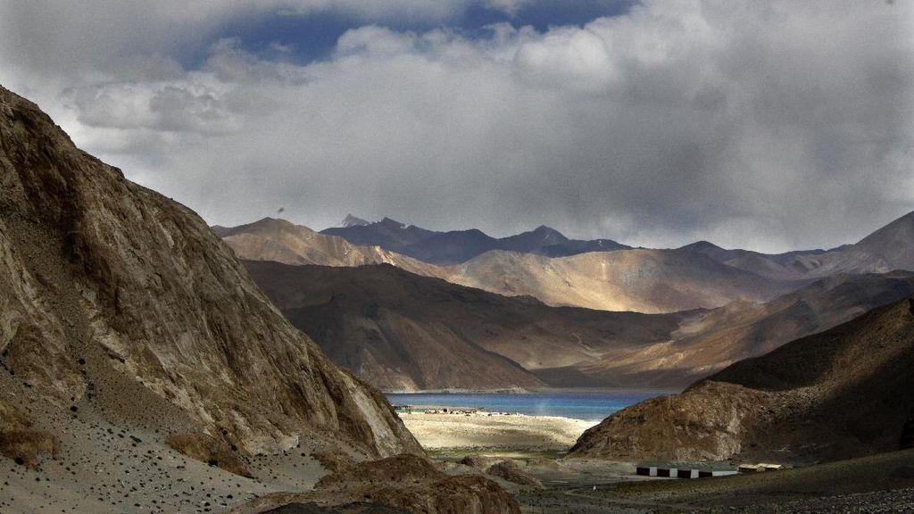 India dan China Sepakat Setop Kirim Tentara ke Perbatasan Sengketa