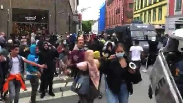 Demo Rusuh di Norwegia Usai Wanita Robek Al-Quran