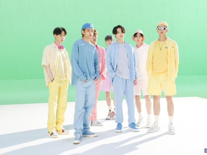Fashion BTS dalam MV Dynamite