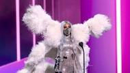9 Gaya Heboh Lady Gaga di VMA, Maskernya Curi Perhatian