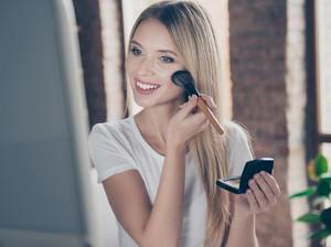 Skinimalism, Makeup Minimalis dengan Hasil Dewy Look yang Jadi Tren 2021