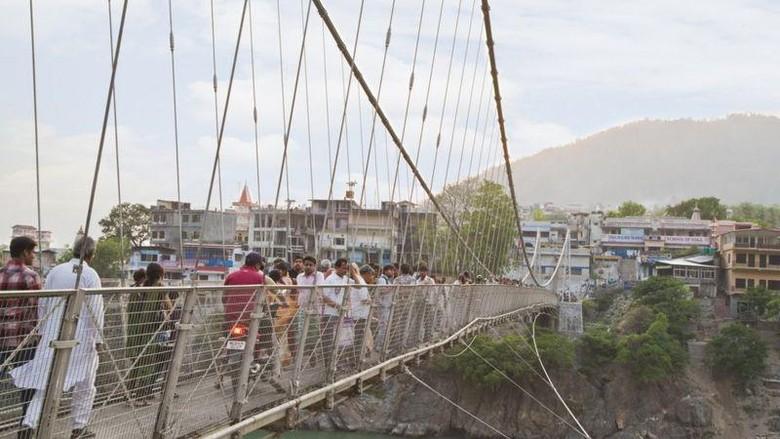 Jembatan Laksman Jhula