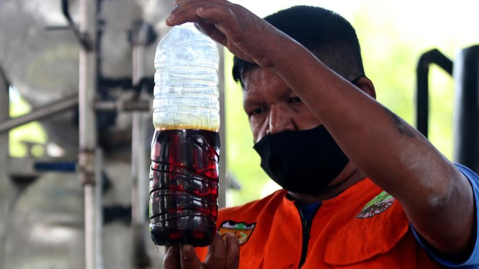 Tempat  Pembuangan Akhir (TPA) di Kawasan Banda Aceh ini memiliki mesin yang dapat mengolah sampah plastik jadi BBM. Seperti apa potretnya? Yuk, lihat.