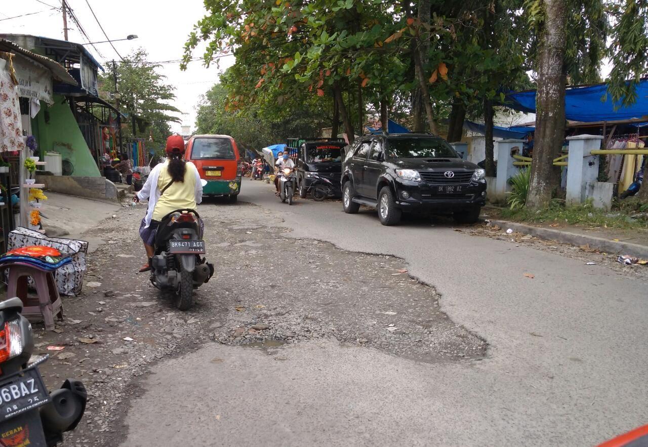 Kondisi Jalan depan Pasar Jahe