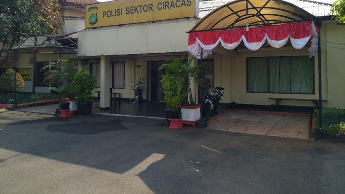 Kondisi Polsek Ciracas Jakarta Timur pada Senin (31/8/2020).
