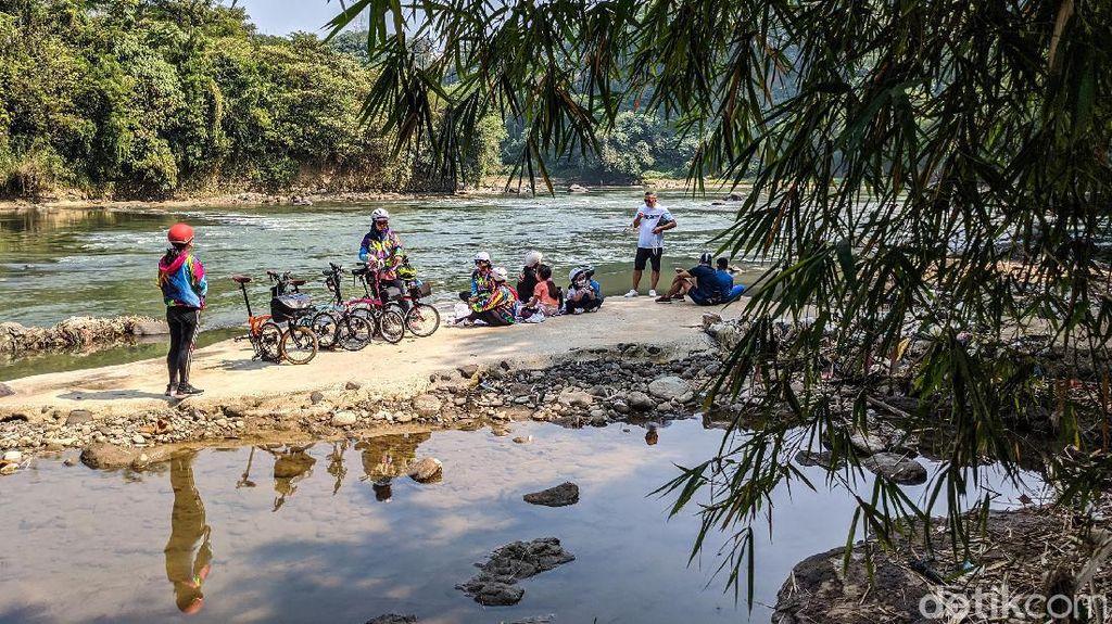 Musim Kemarau, Debit Air Sungai Cisadane Menyusut