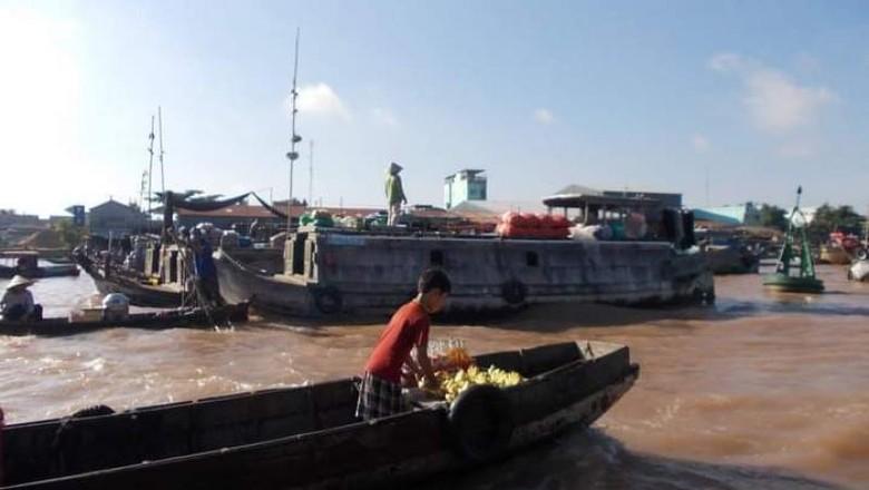 Pasar Terapung Cai Rang di Delta Sungai Mekong
