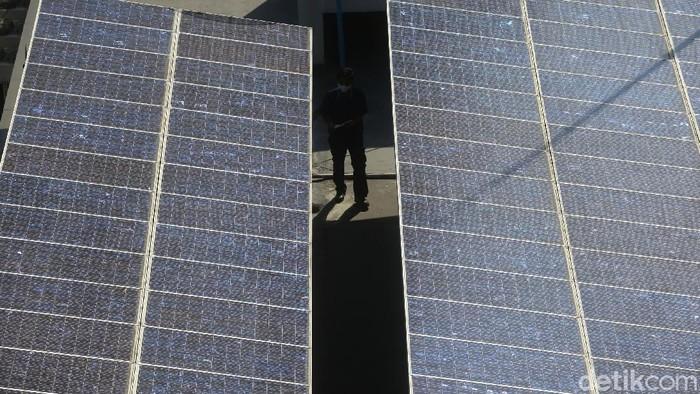 Indonesia memiliki iradiasi energi matahari rata-rata 4,80 kWh per m2 per hari. Sehingga menjadi pilihan yang baik sebagai alternatif sumber energi.