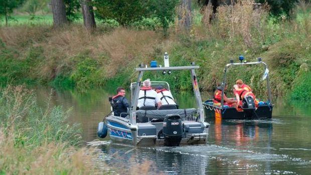 Polisi Air Mencari Buaya di Jerman