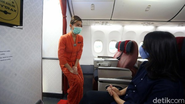 Pandemi corona memang berdampak pada hampir semua profesi, tak terkecuali dengan kru kabin pesawat maskapai Garuda Indonesia.