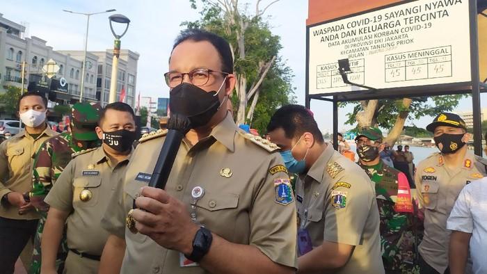 Gubernur DKI Anies Baswedan di Jalan Danau Sunter Selatan, Jakarta Utara, Selasa (1/9/2020).