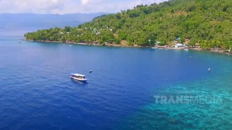 Celebrity on Vacation di Pulau Alor NTT