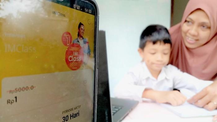 Operator seluler Indosat Ooredoo meluncurkan paket data 30 GB hanya Rp 1 untuk mendukung kegiatan belajar online atau pembelajaran jarak jauh di tengah pandemi COVID-19.