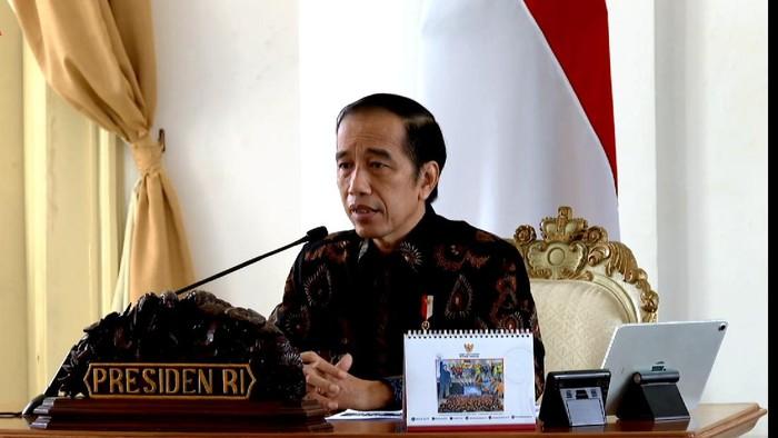 Presiden Jokowi saat memberikan pengarahan kepada gubernur mengenai pengendalian pandemi virus Corona dan pemulihan ekonomi.