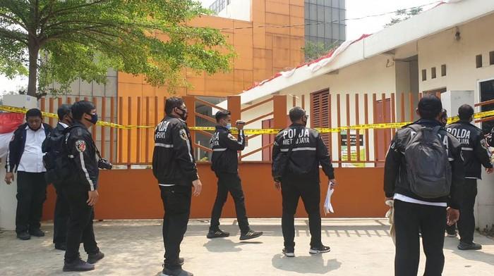 Kantor Hanura di Cipayung disegel polisi