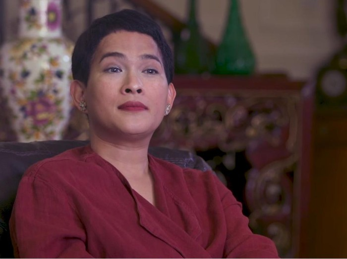 Oscar Lawalata putuskan jadi transgender.