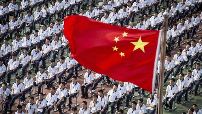 Pertama kali dibuka sejak 7 bulan, semua sekolah dan taman kanak-kanak kembali dibuka di Wuhan, China.