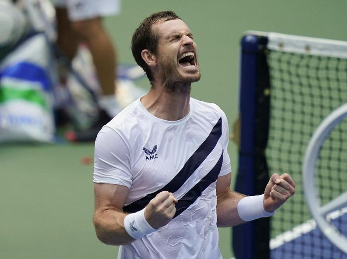 Andy Murray, of Great Britain, reacts after defeating Yoshihito Nishioka, of Japan, during the first round of the US Open tennis championships, Tuesday, Sept. 1, 2020, in New York. (AP Photo/Seth Wenig)
